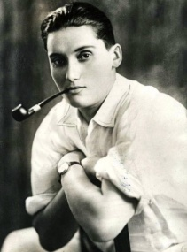 Capitano Victor Barker
